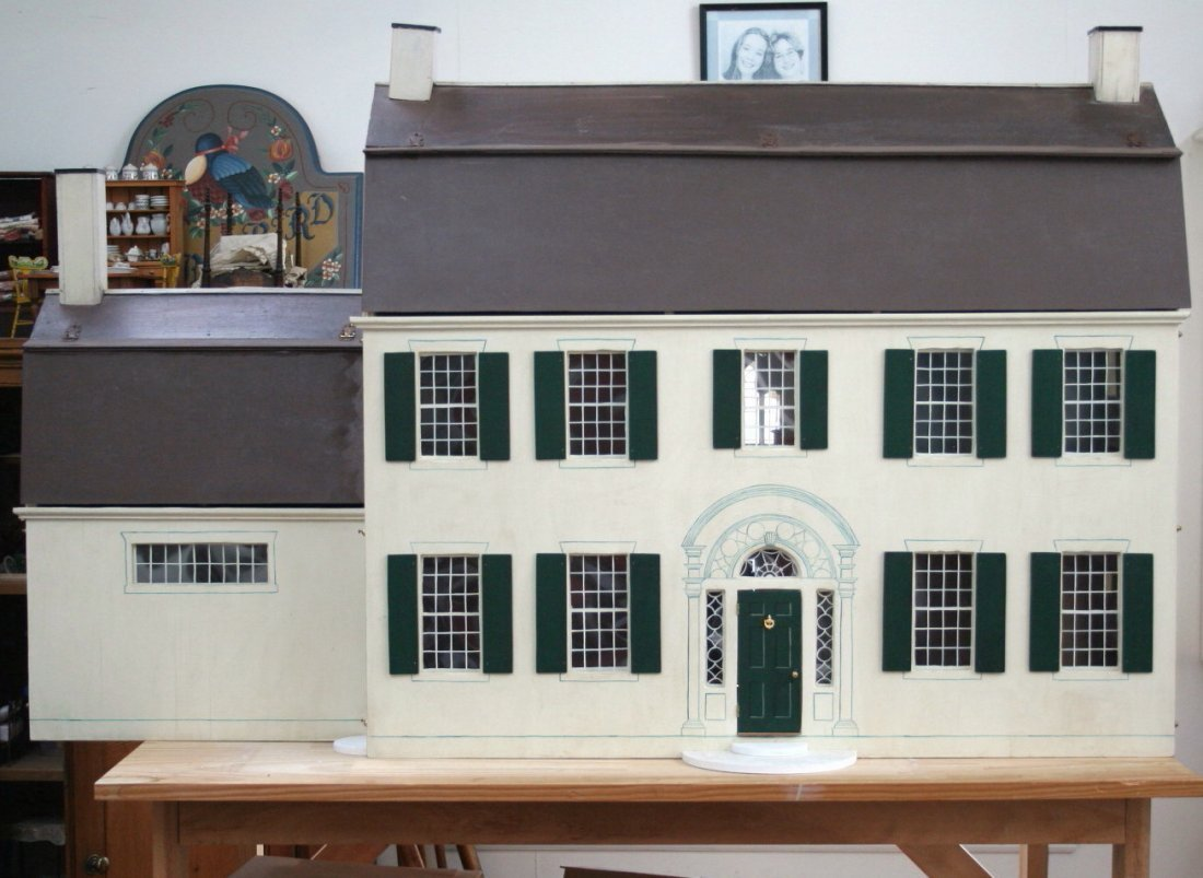 TynieToy Colonial Mansion Dollhouse