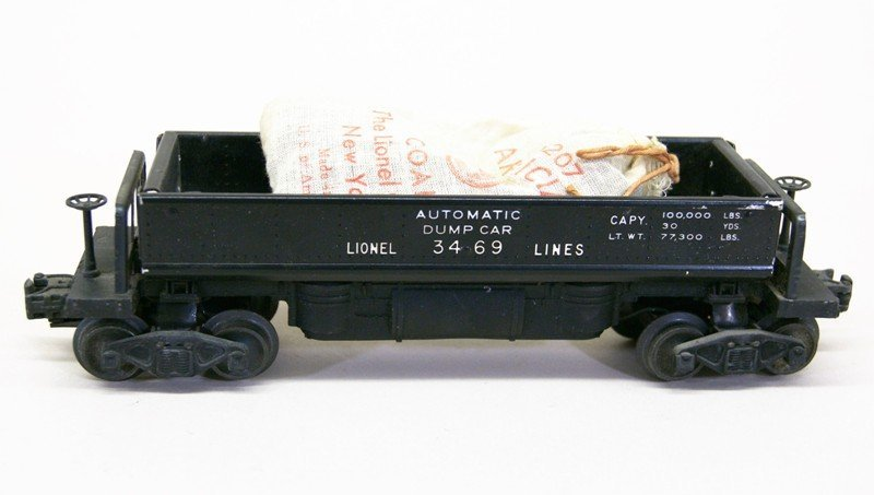 Four Lionel Freight Car with OB's - 4