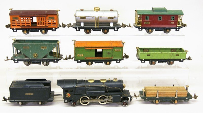 Lionel Pre-war 9 Piece Freight Set w/259E Engine - 2
