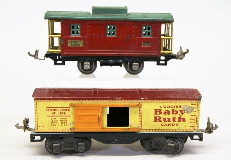 Nine Lionel Pre-war Freight Cars - 2