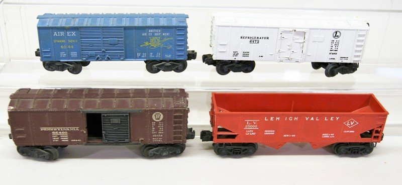 Mixed Lionel Freight Car Lot, Ten Pieces - 3