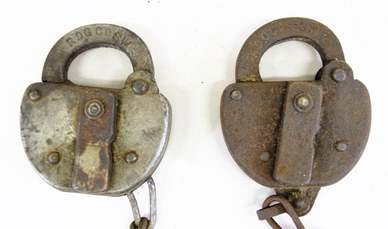 Ten Reading Railroad Switch Locks - 6
