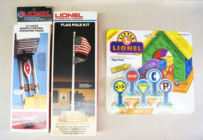 Large Lot of Lionel Accessories in Original Boxes - 2