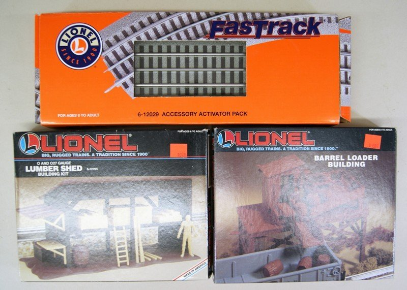 Large Lot of Lionel Accessories in Original Boxes - 3
