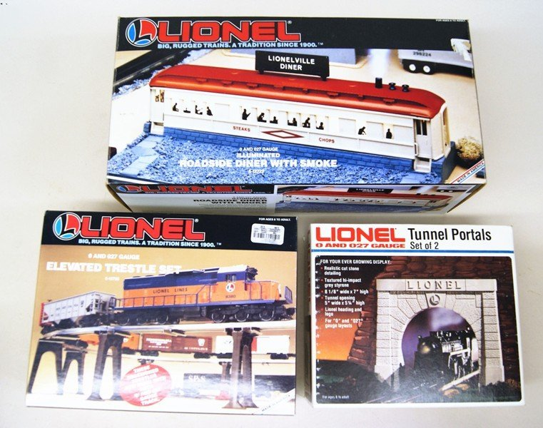 Large Lot of Lionel Accessories in Original Boxes - 5