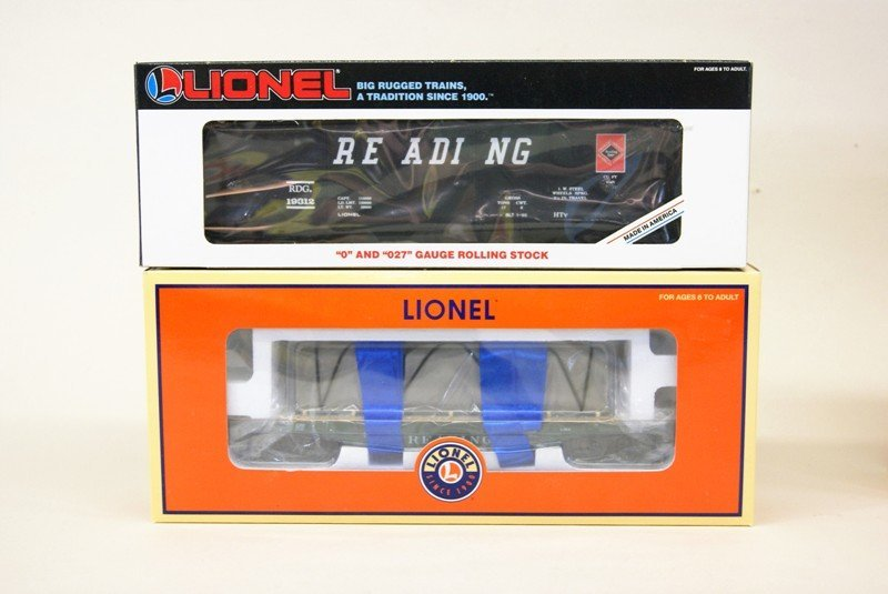 Lot of Ten Lionel Reading Railroad Rolling Stock - 5