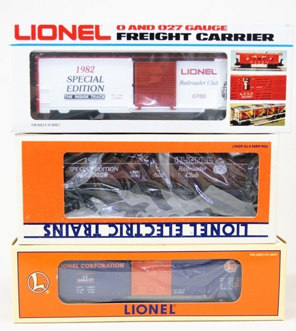 Lionel Lot of Nine Railroad Club Cars - 4