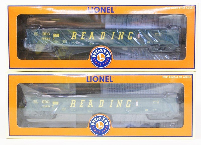 Lot of Seven Lionel Reading Railroad Rolling Stock - 2