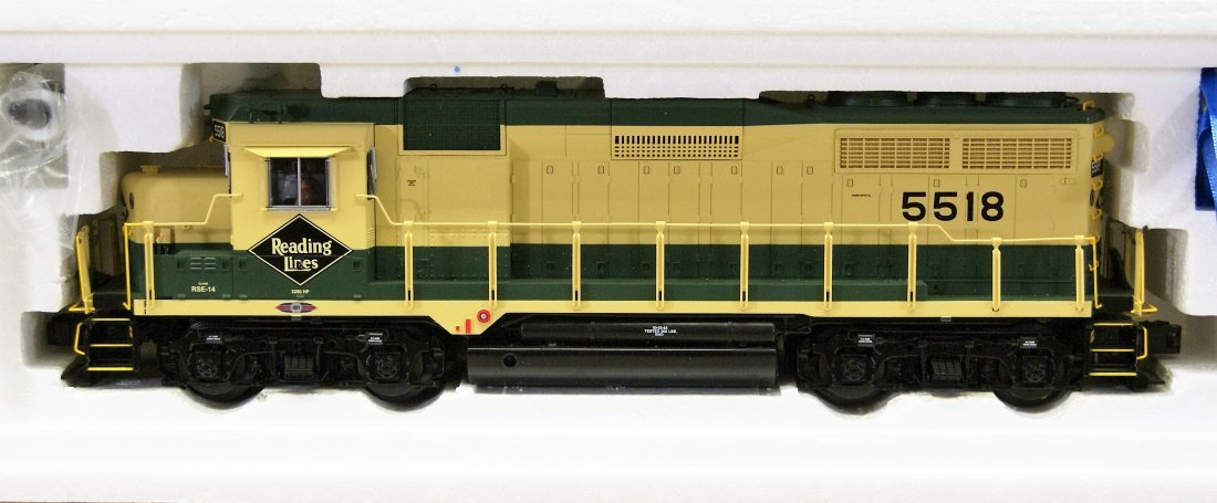 Lionel Reading GP-30 28216 Locomotive - 2