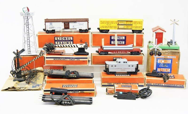 Miscellaneous Lot Lionel Freight Cars and Accessories