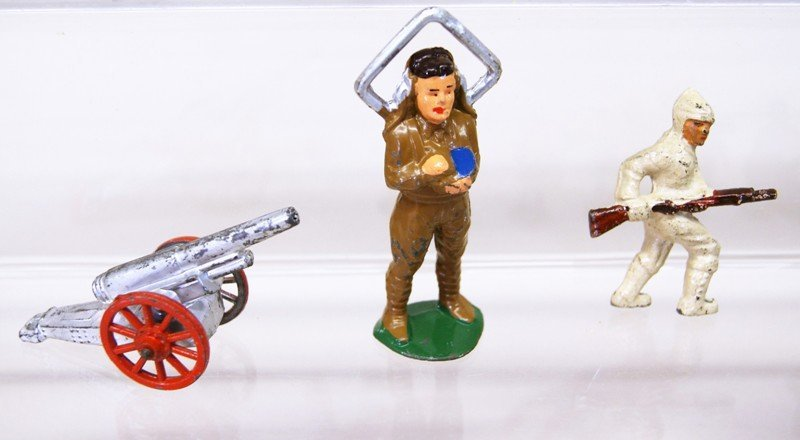 Cast Lead Toy Figures - 5