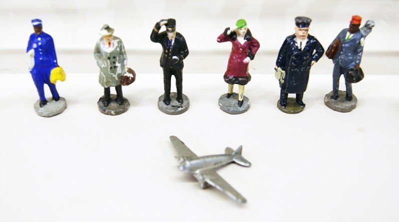 Cast Lead Toy Figures - 7