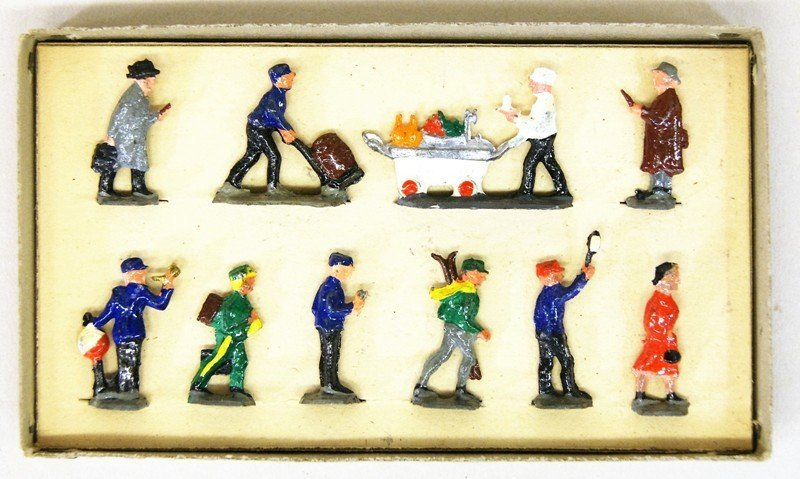Joseph Gray Figures in Original Box - 4