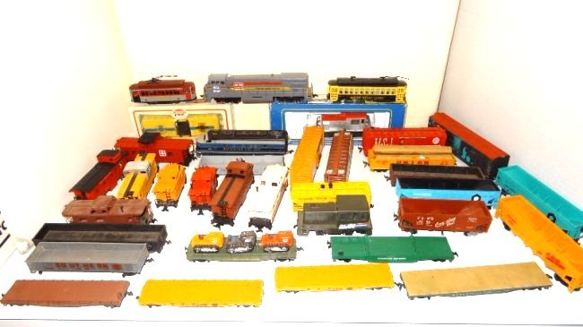 Large Lot Thirty-six Pieces of HO Trains, Engines