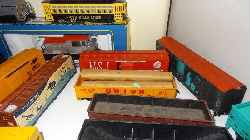 Large Lot Thirty-six Pieces of HO Trains, Engines - 3