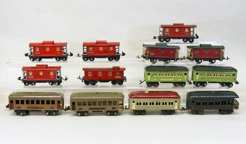 Lionel Pre-war Passenger Cars and Cabooses