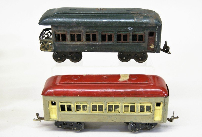 Lionel Pre-war Passenger Cars and Cabooses - 3