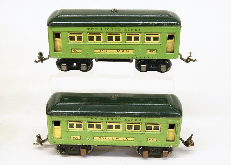 Lionel Pre-war Passenger Cars and Cabooses - 4