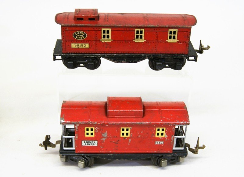 Lionel Pre-war Passenger Cars and Cabooses - 5
