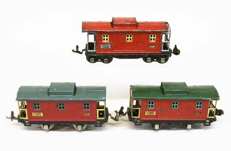 Lionel Pre-war Passenger Cars and Cabooses - 7