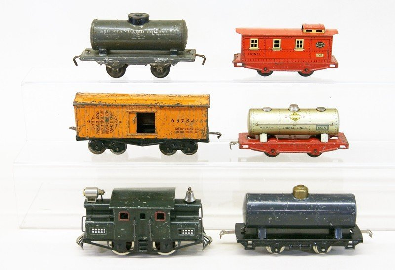 Very Early Lionel Freight Set with 152 Engine