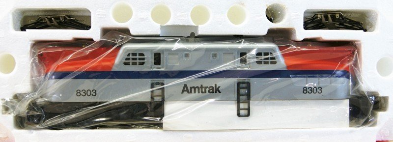 Lionel Amtrak GG-1 Locomotive 18303 - 2
