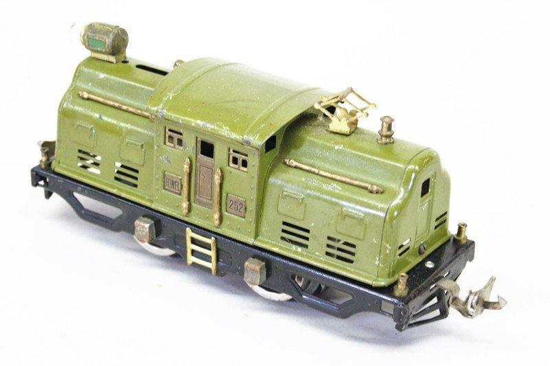 Two Lionel Pre-war Tin Plate Passenger Sets - 2