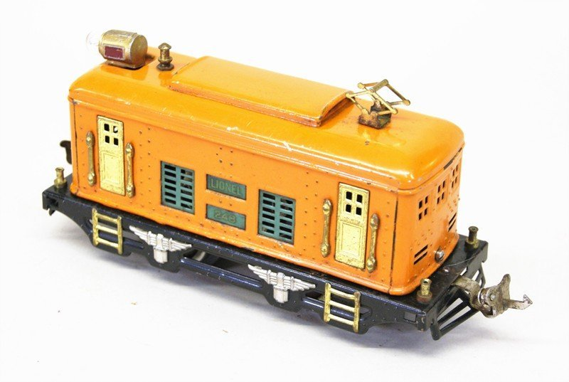 Two Lionel Pre-war Tin Plate Passenger Sets - 4