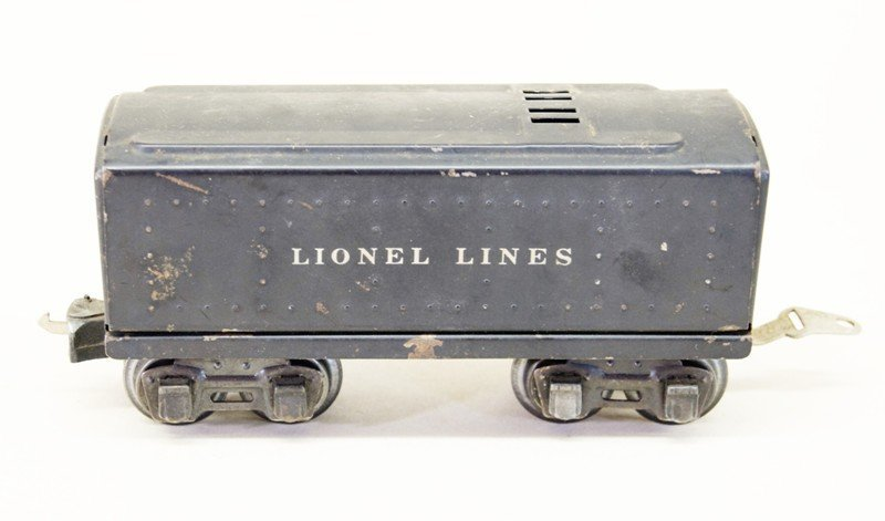 Pair of Lionel Pre-war Engines with Tenders, 1668 and - 3