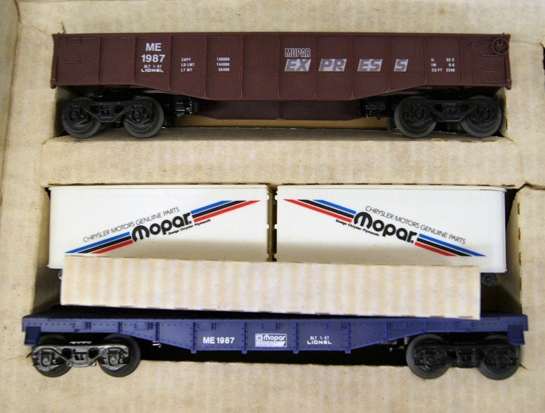 Lionel Mopar Express Train Set in Original Box - 5