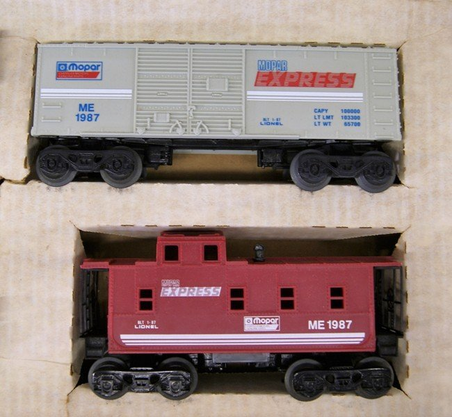 Lionel Mopar Express Train Set in Original Box - 6