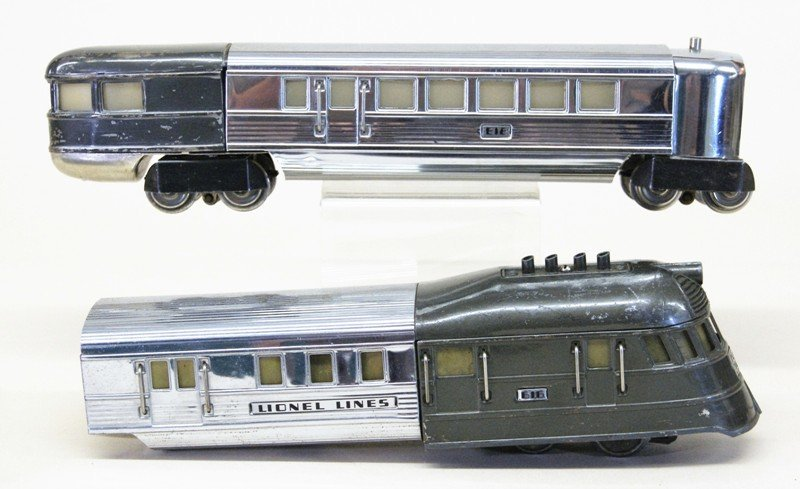 Lionel Pre-war Flying Yankee Passenger Set - 2