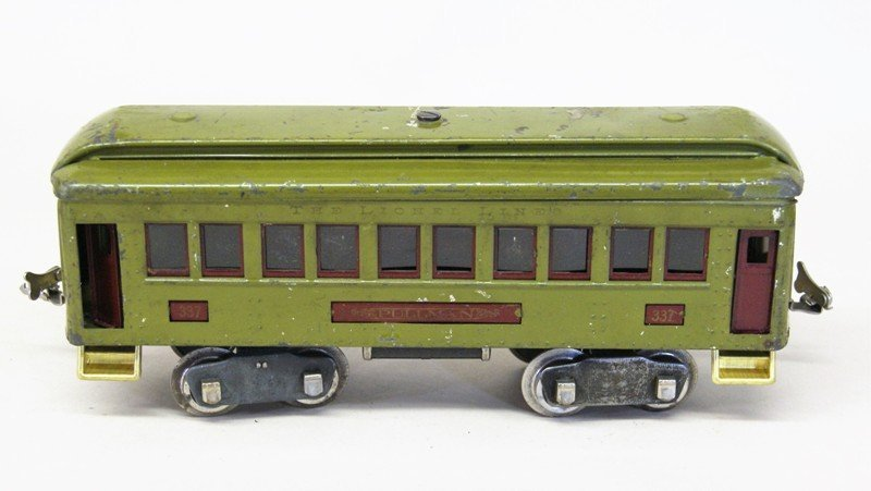 Lionel Pre-war #33 Passenger Set and miscellaneous - 3
