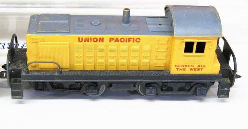 Vintage Marx O Gauge Diesel Freight Set and Wind-up - 4