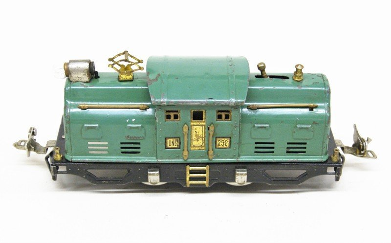 Lot of Four Lionel Pre-war Electric Engines - 4