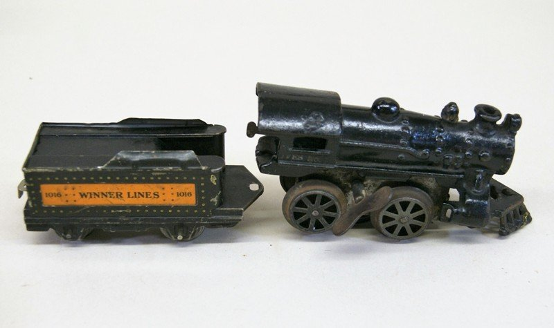 Mixture of American Flyer and Ives O Gauge - 2
