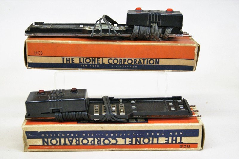 Lionel Accessory Lot, Crossing Gates, Signals, Bridges, - 2