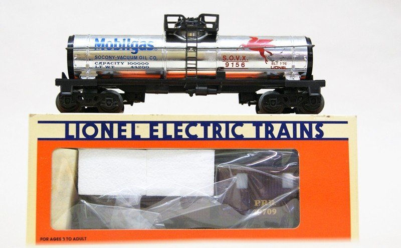 Lionel Work Train with 8214 Engine and Tender in - 5