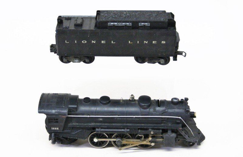 Two Lionel 1666 Engines - 3