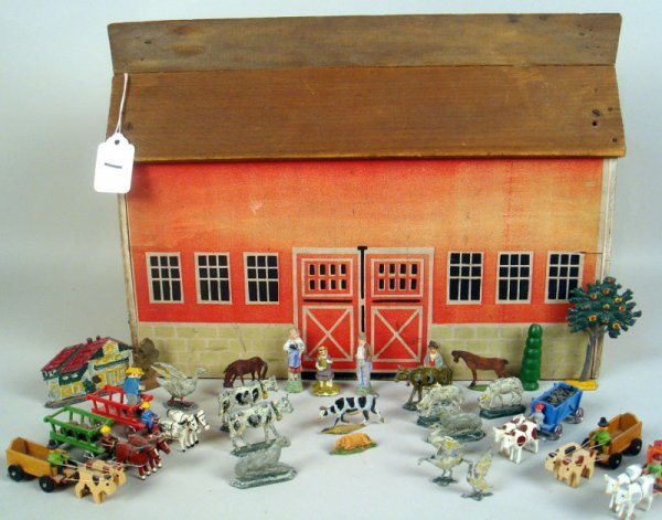 1: Barn with accessories.30 wood and metal accessories,