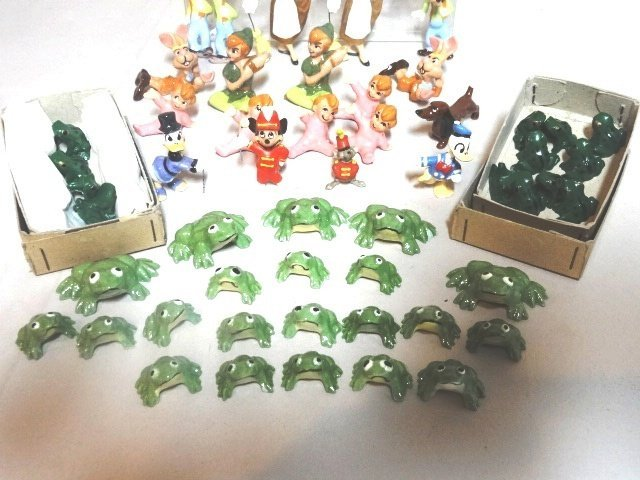 Miniature Disney Production Porcelain Figures - 4