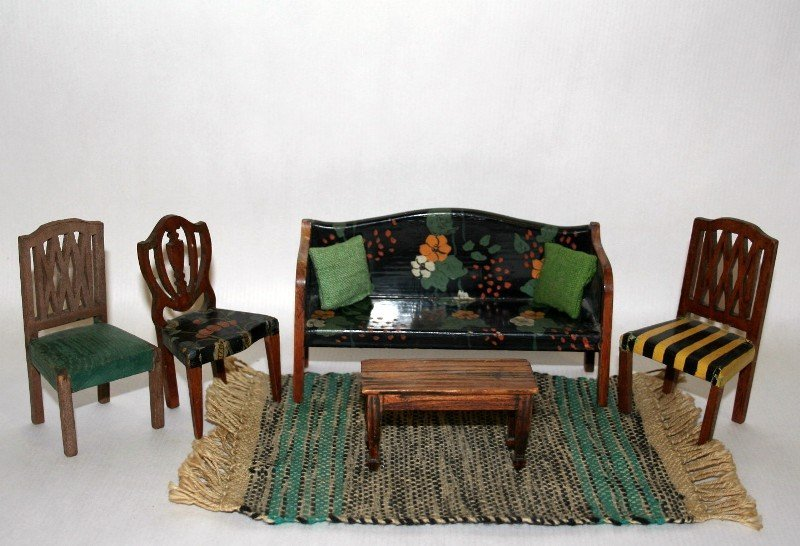 Tynietoy Settee and Chairs