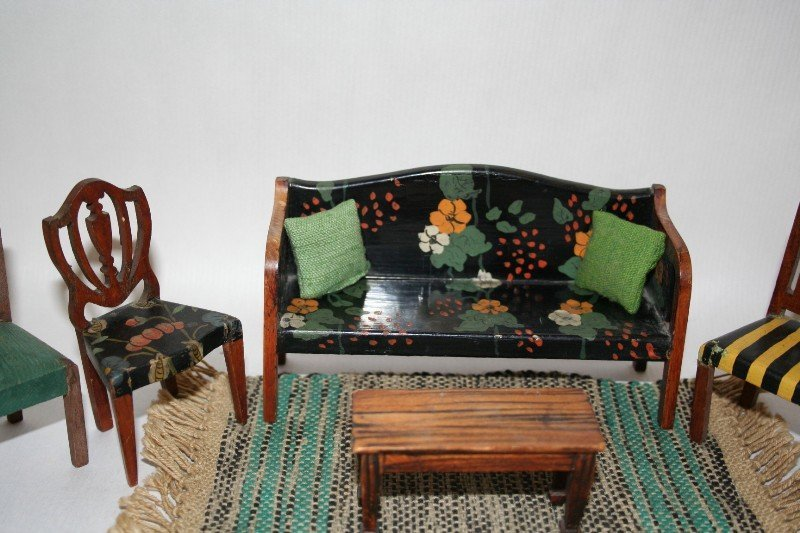 Tynietoy Settee and Chairs - 2