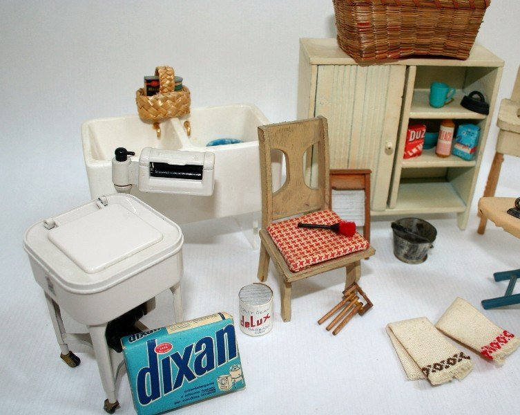 Dollhouse Miniature Vintage Laundry Day - 3