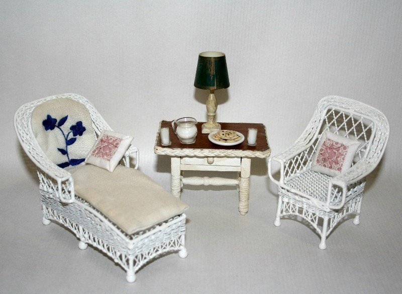 Wire Wicker Porch Furnishings