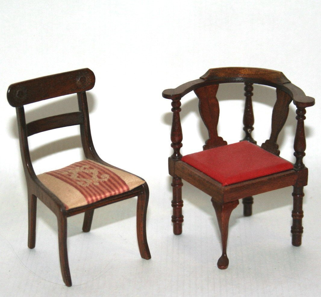 Chestnut Hill Card Table and Chairs - 3
