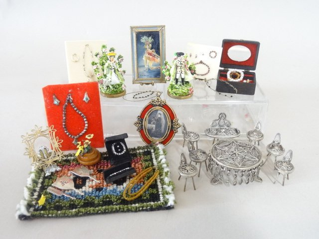 Dollhouse Miniature Jewelry & Accessories