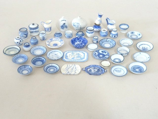 Dollhouse Miniature Blue & White Dishes
