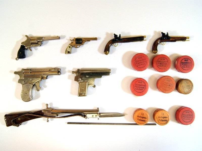 4 Miniature Working Guns and Others