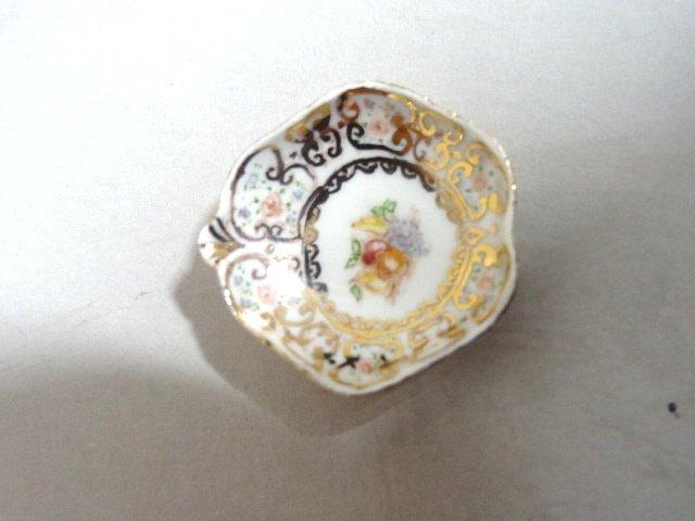 Dollhouse Miniature Porcelain Collection   one Jean - 2
